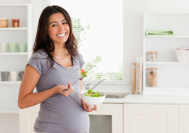 En attendant bébé, doit-on manger pour deux ?