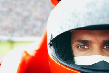 « Je suis le sosie d'un coureur automobile célèbre et j'en souffre »