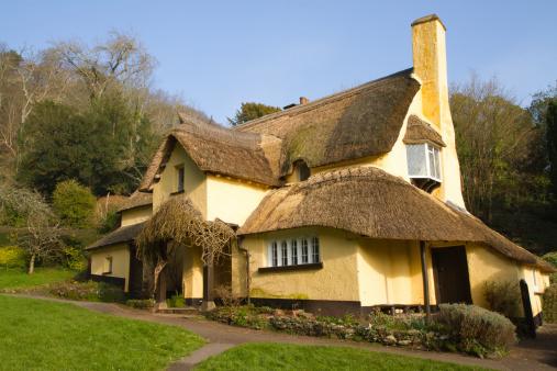 La maison en paille maxi cologique - Maison en paille porteuse ...