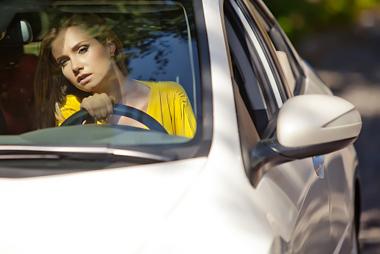 « Elle vient encore de rater son permis de conduire »